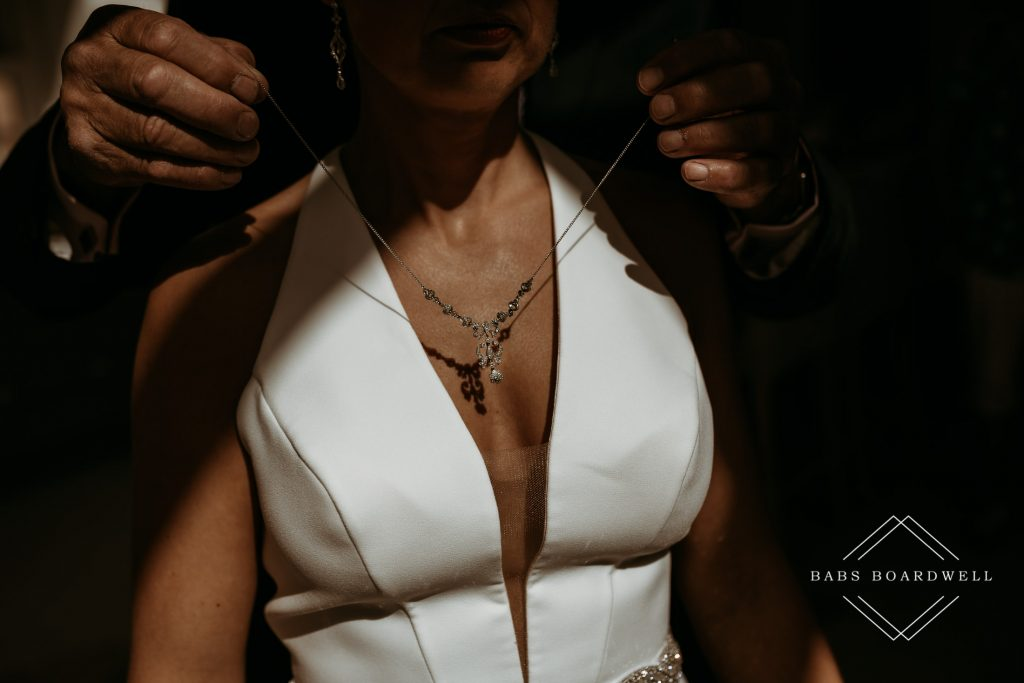 Wedding Photography Tips - how to make the best of bridal prep