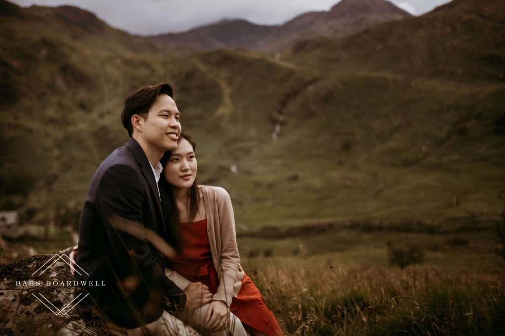 A Singapore couple's scenic wedding anniversary photos at the base of Snowdon