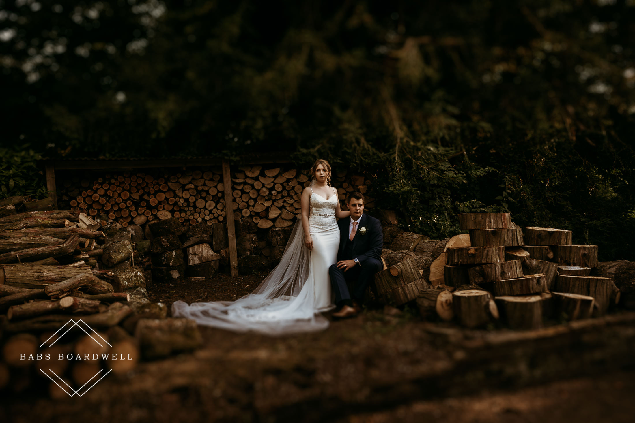 How to nail outdoor couple portraits on your wedding day